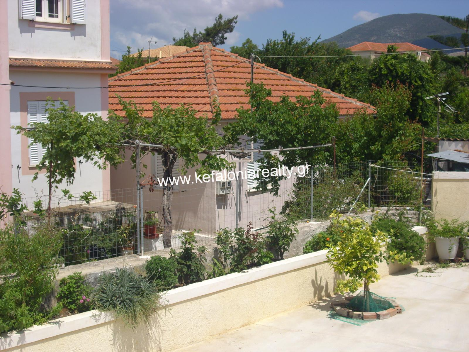 TRADITIONAL HOUSE IN PESSADA FOR SALE